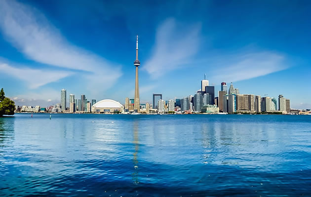 A view of the Toronto skyline from across the bay.