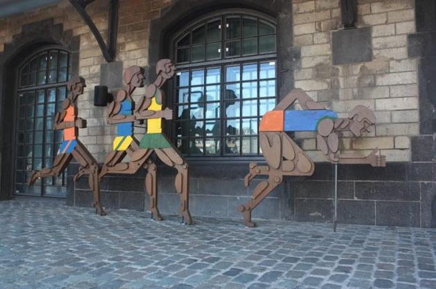 Kinetic sculpture in Sudstadt, Cologne.