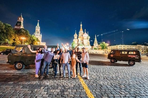 Moscow Day Tours: Night tour in a Soviet era van.