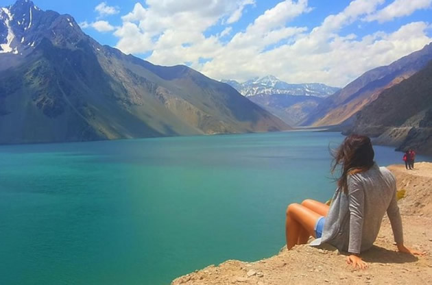 Turquoise water of the Cajon Del Maipo Valley.