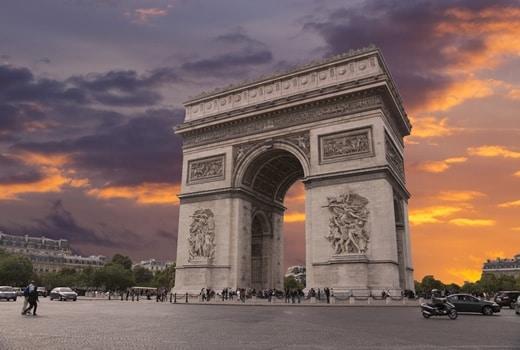 Europe Day Tours: Visit the Arc de Triomphe in Paris